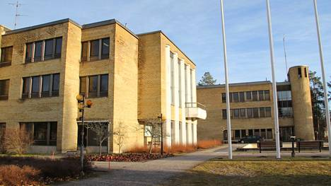 Mänttä-Vilppulan kaupungintalolle haetaan parhaillaan talouspäällikköä ja hallintojohtajaa.