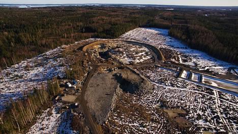 Valkeakosken Kaapelinkulman kultakaivos avattiin vuoden 2019 huhtikuussa. Ilmakuva on saman vuoden maaliskuulta. Aika näyttää, avautuuko kaupungin eteläosaan tulevaisuudessa Valkeakosken toinen kultakaivos.