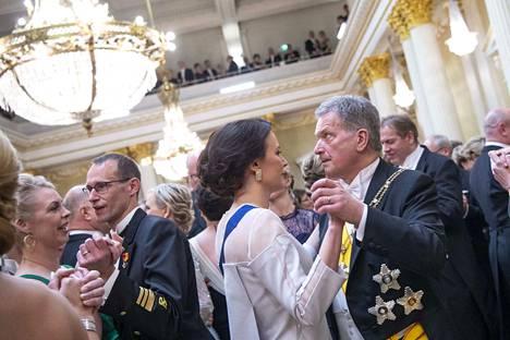 Presidentti Sauli Niinistö nosti tämän vuoden Linnan juhlien teemaksi oikean tiedon välittämisen ja kunnioittavan keskustelukulttuurin.