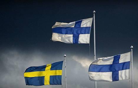 Sopisi kuunnella lukiolaisia ja heidän liittoaan – ellei peräti kansaa: HS:n gallupissa 61 prosenttia vastusti ruotsin uutta yo-kirjoituspakkoa, Erkki Teikari toteaa.