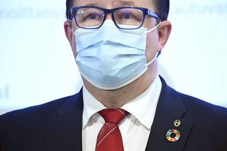 THL:n terveysturvallisuusosaston johtaja Mika Salminen.