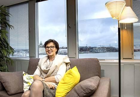 Tampereen Naisten Pankin hallituksen jäsen Riitta Varpe kertoo, että Naisten Pankin toiminta on avointa kaikille. –Vaikka toiminta keskittyy pääasiassa naisten auttamiseen, Naisten Pankin jäseninä, tukijoina ja osakkaina on myös iso joukko miehiä.