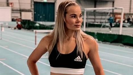 Hakan Karoliina Kujanpää juoksi jälleen oman ennätyksensä.