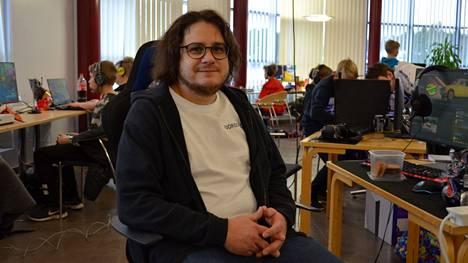 Nuorisotyöntekijä Janne Kallio kertoo, että kaupungin nuorisopalvelut halusivat järjestää jotain peruuntuneen Sykerockin tilalle.