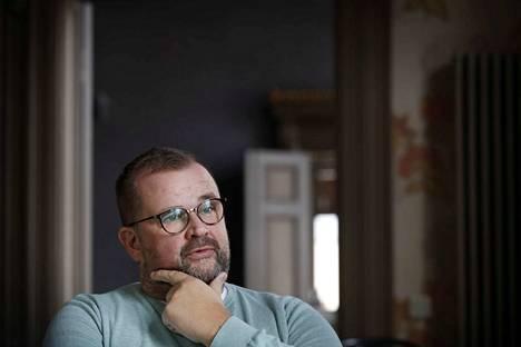 Porin teatterin talous- ja hallintojohtaja ja Porin kokoomuksen valtuustoryhmän puheenjohtaja Anttivesa Knuuttila on nimitetty Porin teatterin johtoon.