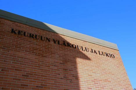 Gaudeamus igitur kajahti lauantaina 5.6. Keuruun yhteiskoulun juhlasalissa uusien ylioppilaiden kunniaksi.