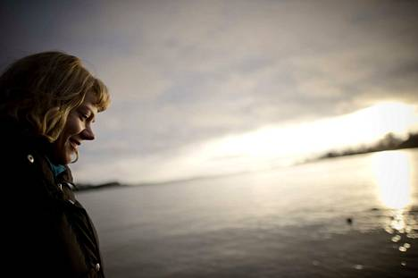 Greenpeacen aktivisti Sini Saarela on tärkeässä roolissa arktisen merialueen suojelussa. Luonnonvarat kiinnostavat suurvaltoja ja yrityksiä maapallon rajaseuduilla, ja loputtomat raaka-aineet tulevat kiinnostamaan myös avaruudessa.