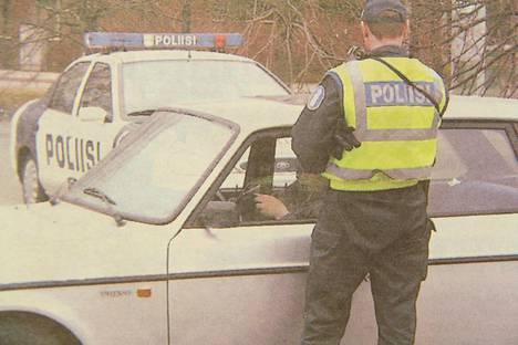 Poliisin huomautuslinja turvavöiden käytön laiminlyönnistä on päättymässä.