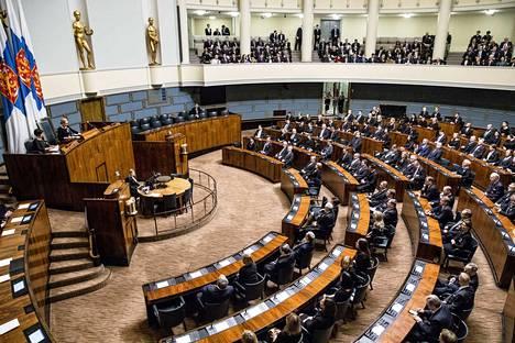 Eduskunta käsittelee Suostumus2018-kansalaisaloitetta keskiviikon täysistunnossa. Arkistokuva vuoden 2018 ensimmäisestä täysistunnosta.