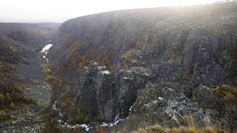 Suomessa täysin poikkeuksellinen Kevon kanjoni on 40 kilometriä pitkä ja 80 metriä syvä.