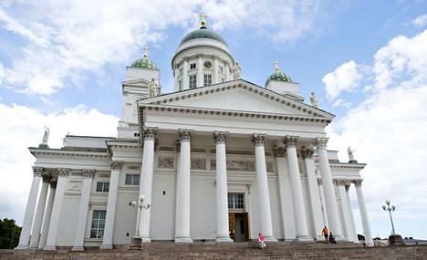 Helsingin tuomiokirkko oli yksi kirkoista, joissa kellot soivat Leijonien kunniaksi joukkueen koneen laskeuduttua Suomeen.