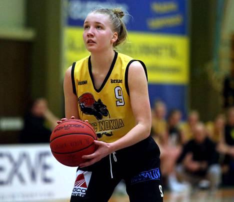 Johanna Timperi heitti 14 pistettä Turussa. Kotijoukkue Riento otti voiton.