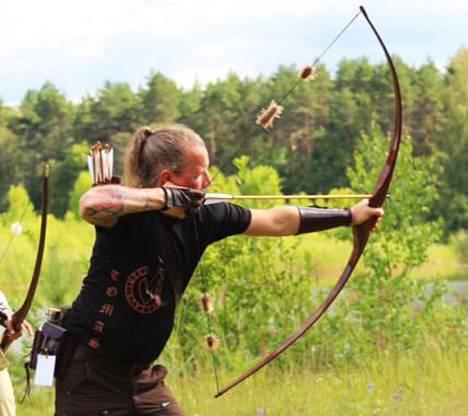 Keuruun Jousen Tuomas Kajuutti nousi hienosti palkintokorokkeelle kansainvälisissä maastojousiammunnan 3D-kisoissa Viron Kullamaalla.