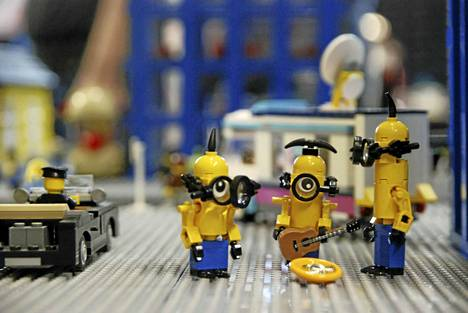 Lego-tapahtumassa on esillä harrastajien rakentamia hahmoja sekä miljöitä.