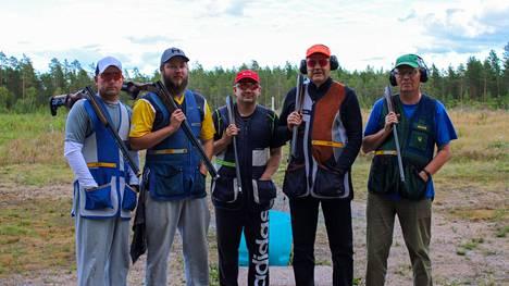 Kankaanpäätä edustivat kisoissa muun muassa Pasi Vähäniemi (vasemmalla), Santeri Syrjätie, Kimmo Silmunmaa, Jouni Vanhatalo ja Juhani Syrjätie.
