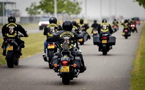 Hollantilaislähtöinen Satudarah MC voi yrittää uudelleenrantautumista Suomeen, kertoo KRP:n rikosylikomisario.