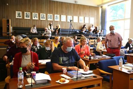 Valkeakosken uuden valtuuston 23. elokuuta pidetystä kokouksesta ei ole tekstitettyä videota verkossa. Tekstitys koskee ensimmäisenä lokakuun kokousta.