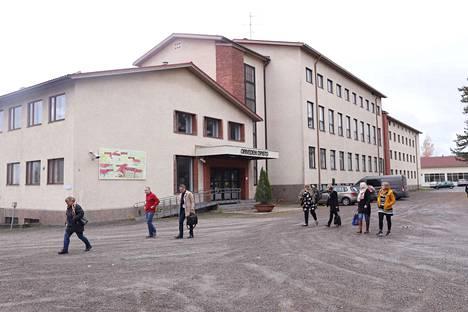 Kiinteistö oy Oriveden Koulutie 5 käsittää 3,5 hehtaarin määräalan ja noin 8 000 neliön toimitilat.