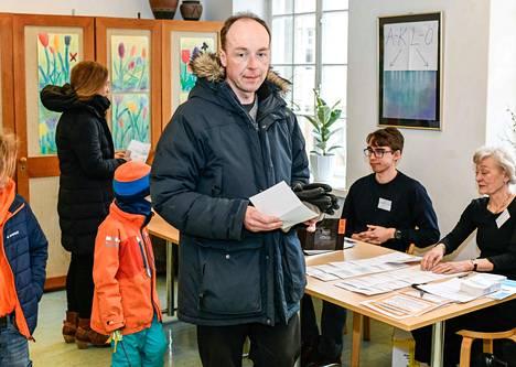 Jussi Halla-ahon perussuomalaisten vaalimenestys kiinnostaa ulkomailla. Saksalaislehti ennakoi sen näkyvän myös eurovaaleissa.