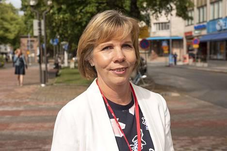 Oikeusministeri Anna-Maja Henriksson suhtautuu tilanteeseen vakavasti.