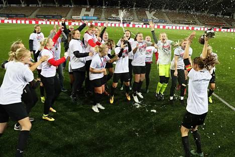 Naisten Liiga Jalkapallo
