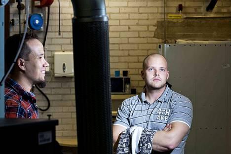 Aamulehti kävi Gardner Denverin tehtaalla vuonna 2013. Työntekijät Tapio Ruohonen (vas.) ja Jarno Rantanen ovat edelleen yhtiöllä töissä.