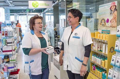 12 Suomen apteekissa toimii nyt pysyvä Terveyspiste, johon voi ilman ajanvarausta tulla sairaanhoitajan luo.