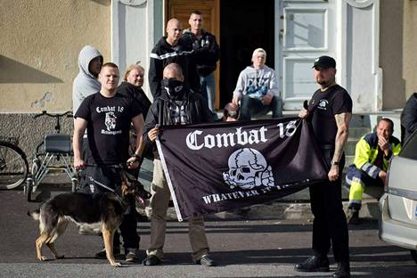 Uusnatsiryhmä C-18 tuli julkisuuteen syksyllä 2015 vastustaessaan Harjavaltaan ja Poriin perustettuja turvapaikanhakijoiden vastaanottokeskuksia. Sen jälkeen ryhmästä ei ole kuulunut mitään.