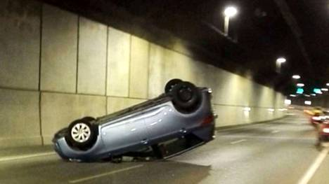 Ensimmäinen isompi kolari sattui maanantaina illalla Tampereella.