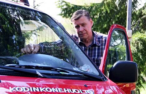 60 vuotta perjantaina täyttävä yrittäjä Hannu Yli-Lohikoski tekee töitä silloin, kun tarvitaan virka-ajoista välittämättä.
