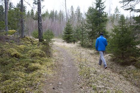 Hannu Salminen lähtee mieluiten kätköilemään metsään