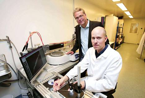 Injeq Oy:n toimitusjohtajan Kai Kronströmin ja pääinsinöörin Petri Ahosen tavoite on, että Hervannan toimipisteessä älyneulojen valmistus alkaa syksyllä 2017.