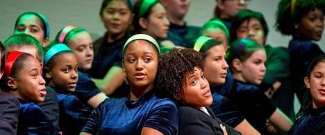 The Young People's Chorus New Yorkista esiintyi kuorofestivaalin aluksi Ylöjärven kirkossa.
