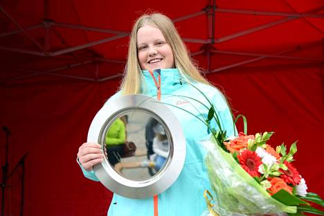 Valkeakosken markkinat järjestettiin 50. kerran, ja Eveliina Salosesta tuli kaikkien aikojen nuorin Vuoden koskilainen. Frisbeegolfari ehtii urallaan vielä vaikka kuinka pitkälle.