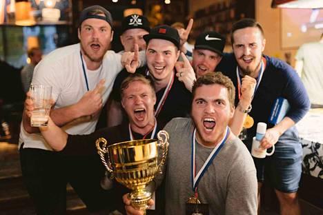 Jalkapallon kolmiottelun MM-turnauksen kultapokaalin pokkasi tamperelainen haastaja, mittelöiden ensikertalainen VuPa-12.
