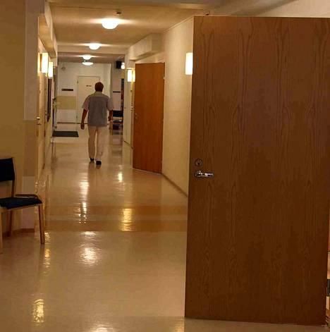 Osa peruspalvelukeskuksista sulkee ovensa kesälomien takia porrastetusti. Hoitoon pääsee keskitetysti Kankaanpäässä.