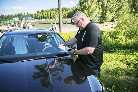Santtu Vähälälle Korson palloseurasta Vantaalta oli kirjoitettu sakko kello 9.30 perjantaina.