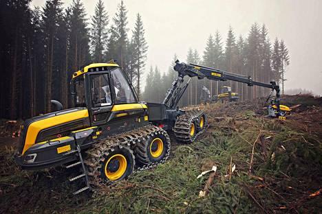 Metsän hiilinielu tarkoittaa, että metsään sitoutuu enemmän hiilidioksidia kuin sieltä vapautuu ilmakehään. Hiiltä vapautuu kun puuta käytetään.
