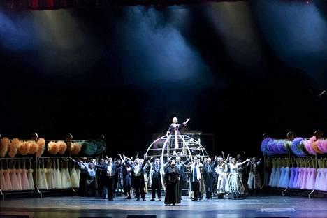Oopperan kummitus -musikaali Suomen Kansallisoopperassa myytiin loppuun ennen hujauksessa. Ensimmäisen kerran Kansallisoopperan historiassa koko esityskausi myytiin loppuun ennen ensi-iltaa