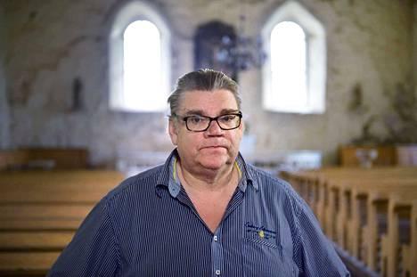 Kysymykseen siitä, pelastiko vai myikö sielunsa perussuomalaisissa, Timo Soini vastaa, ettei ole koskaan myynyt mitään. –En rahasta, enkä virasta.