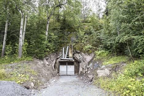Härmälän luolaston suulla on nyt hiljaista. Datakeskus jäi ainakin toistaiseksi syntymättä. Kaupunki aikoo etsiä tiloihin uutta sinne soveltuvaa toimintaa.