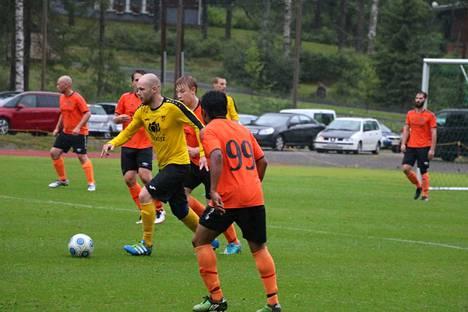 Joni Väärämäki pelasi HPP:n paidassa kauden avauspelinsä ja teki joukkueen avausmaalin perjantain kotiottelussa.