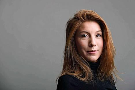 Vuonna 1987 syntynyttä Kim Wallia on kutsuttu loistavaksi toimittajaksi, joka matkusti juttujen perässä ympäri maailmaa.