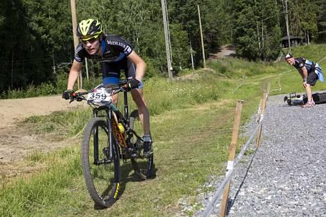 Kiinnostaako maastopyöräily? Nuorille suunnattua maastopyöräkoulua samoin kuin monia muita liikuntamahdollisuuksia esitellään lauantaina torilla.