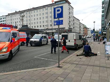 Poliisipartio pysäytti epäillyn ampumalla jalkaan.