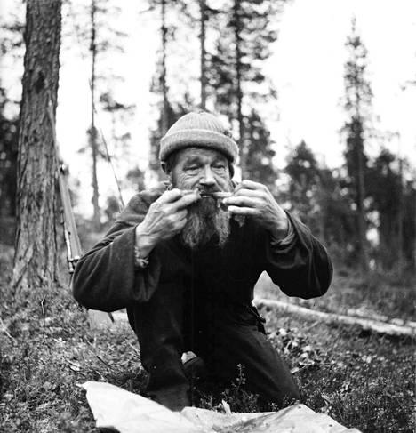 Albin Tirkkosen pääravintona oli kala niin kesällä kuin talvellakin.