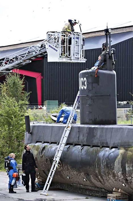 Sukellusvene upposi nopeasti 7 metrin syvyyteen, kun se oli palaamassa satamaan. Madsenin mukaan aluksen painolastivesitankeissa oli pientä vikaa, joka yllättäen paheni.