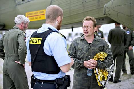 Peter Madsen on keksijä, joka sukellusvenehankkeensa lisäksi kehittää avaruusraketteja. Hän on haaveillut muun muassa lähettävänsä tanskalaisen astronautin avaruuteen harrastajavoimin.