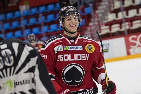 Jesperi Kotkaniemi laukoi terävällä rannekudilla Ässät voittoon.