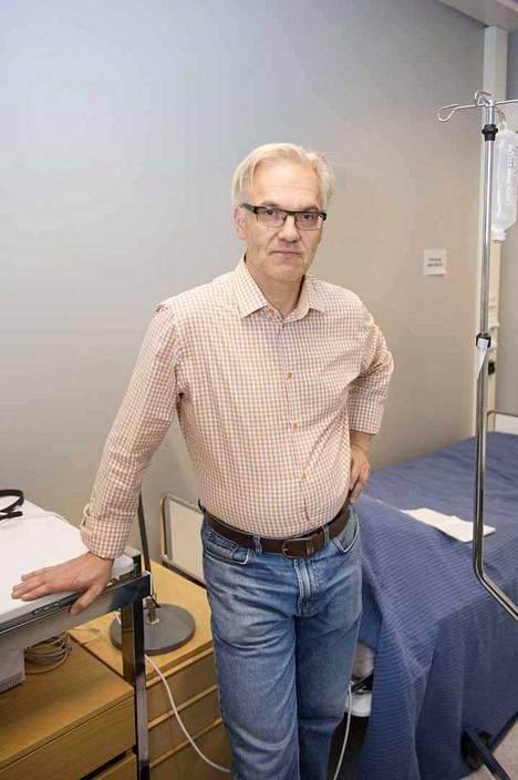 Olli Polo kritisoi sitä, että Valvira on tehnyt päätöksensä papereiden perusteella perehtymättä asiaan. Häntä ei ole kuultu.
